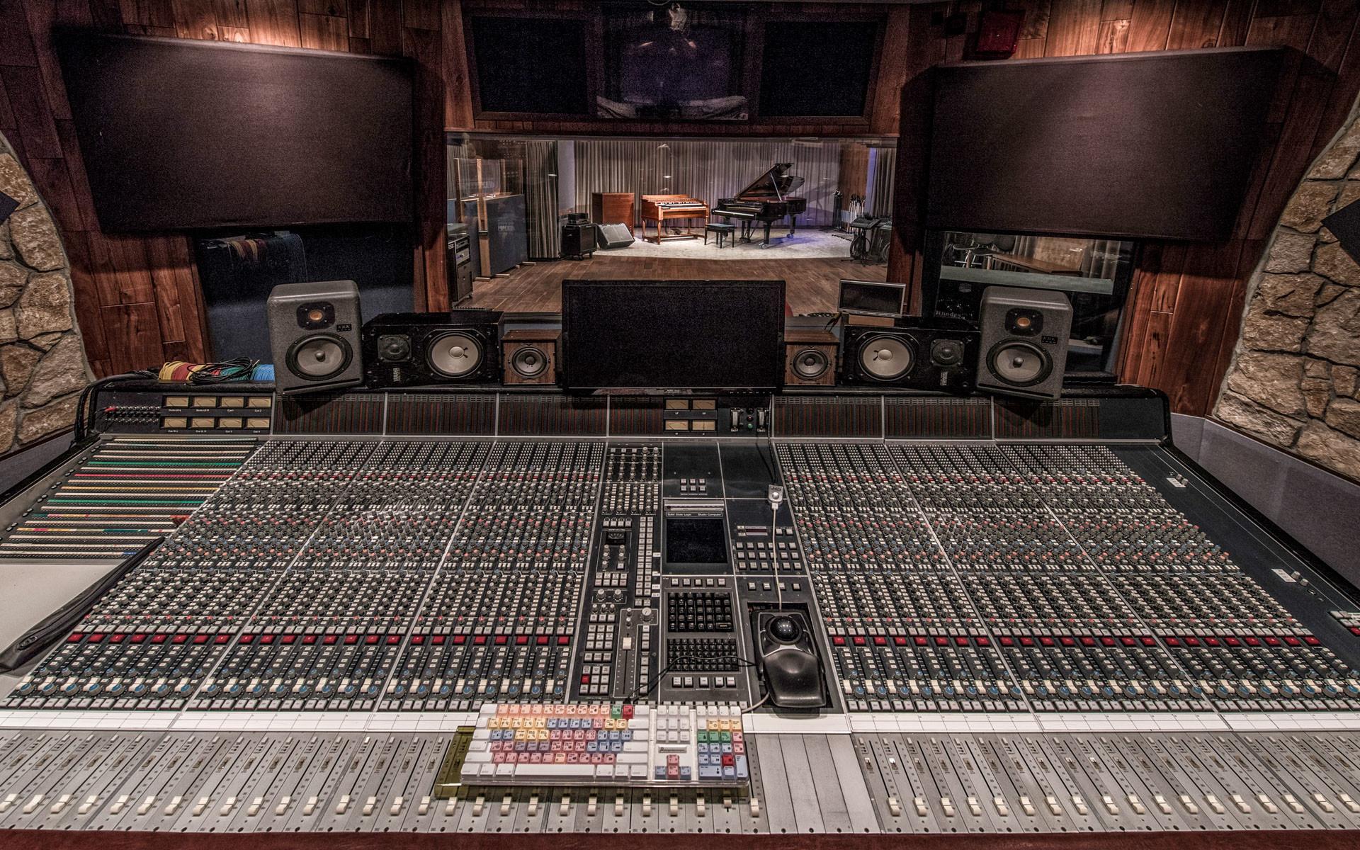 POWERPLAY EVENTS • Studios